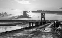 Isla santa, terraplén Refugio de la seguridad northumberland inglaterra Reino Unido Foto de archivo