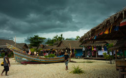 Isla tropical de Phi Phi en la tierra de sonrisas, Tailandia Imagenes de archivo