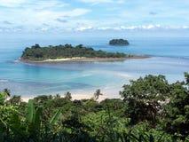 Isla tropical deshabitada Fotos de archivo libres de regalías