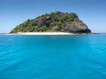 Isla tropical en el sol Fotos de archivo