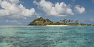 Isla tropical en las islas de Yasawa de Fiji Imágenes de archivo libres de regalías