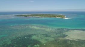 Isla tropical Magalawa con la playa almacen de video