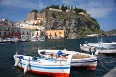 Isla volcánica de Lipari, Italia Foto de archivo libre de regalías