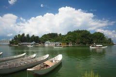 Isla y barco de las aduanas de Nanzhao Foto de archivo
