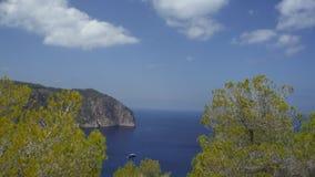 Isla y el horizont Fotos de archivo libres de regalías