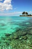 Isla y filón coralino Fotografía de archivo