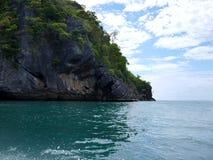 Isla y mar Foto de archivo libre de regalías
