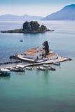 Isla y Vlacherna Monasteryon Corfú del ratón Fotografía de archivo