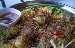 Islam de la comida de la cena del Ramadán del arroz de Biryani, concepto: Comida cocinada deliciosa del hyderabadi para la gente  fotografía de archivo libre de regalías