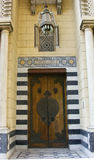 ISLAMIC STYLE DOOR WITH OLD CLASSIC LAMPPOST Stock Photos