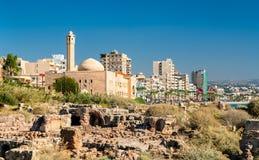 Islamische Universität vom Libanon und von alten Ruinen im Reifen lizenzfreie stockfotos