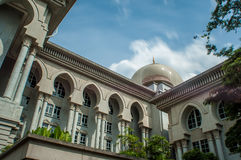 Islamisk arkitektur på dagsljus Arkivbild