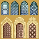 Islamiska fönster och dörrar med den arabiska vektorn för konstprydnadmodellen ställde in Royaltyfria Bilder