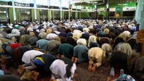 Islamiskt be för folk arkivfilmer