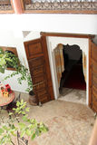 Islamitische Arabische binnenarchitectuur Stock Fotografie