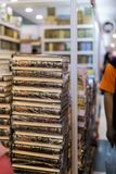 Islamitische boeken van syariahwetten, geloof en wettenprobleem Er is vele variatie van velen Islamitische geleerde stock afbeeldingen