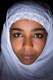 Islamitische versluierde Afrikaanse vrouw Royalty-vrije Stock Foto's