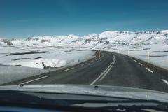 Island-Autoreise, Ansicht vom Auto Stockfoto