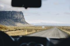 Island-Autoreise, Ansicht vom Auto Stockbild