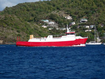 An island ferry arriving at port elizabeth, bequia Royalty Free Stock Photography