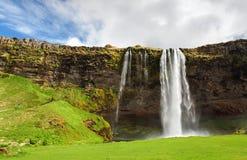 Island vattenfall - Seljalandsfoss Fotografering för Bildbyråer