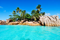 Island view from the ocean Royalty Free Stock Photography