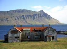 Islandia wykolejeniec budynku. Zdjęcia Royalty Free