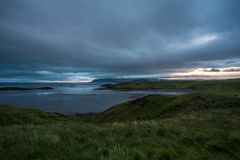 Islandic自然和日落,在路 免版税库存图片