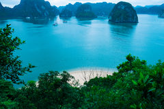 Islands and beach in Halong Bay Royalty Free Stock Photos