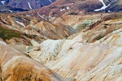 Islandzki góra krajobraz Kolorowe powulkaniczne góry w Landmannalaugar geotermal terenie fotografia royalty free