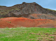 Islandzki krajobraz: pomarańcze i zieleń Zdjęcie Stock
