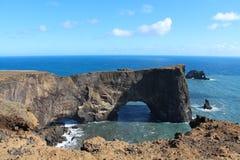Islandzki krajobrazowy «Dyrhà ³ laey «Islandzki dla drzwiowej wzgórze wyspy obraz royalty free