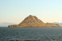 Islas de la parte meridional de Grecia Poros, Hydra, Aegina 06 15 2014 El paisaje de las islas griegas del verano caliente Foto de archivo