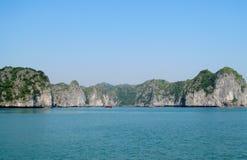 Islas de la roca en el mar fotos de archivo libres de regalías