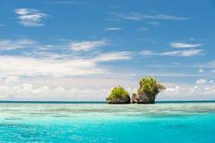 Islas de la roca en Palau fotos de archivo
