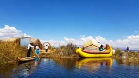 Islas de los Uros, lago Titicaca, Peru foto de stock