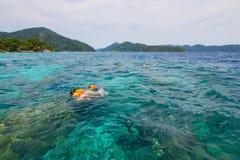 Islas de Surin como destino turístico ofrecido en la belleza debajo del mar imágenes de archivo libres de regalías