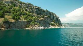 Islas del Egeo en un paseo del mar almacen de video