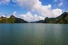 Islas deshabitadas en el mar del sur de China Foto de archivo libre de regalías