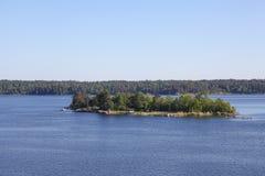 Islas en el archipiélago de Estocolmo Imágenes de archivo libres de regalías