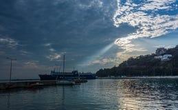 Islas jónicas de la bahía de Poros Imagen de archivo libre de regalías