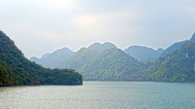 Islas largas de la bahía de la ha fotos de archivo