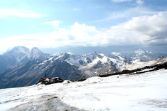 Islutning av Mount Elbrus Arkivbilder