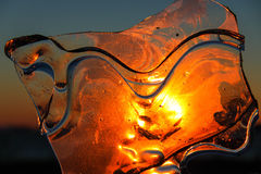 Ismodell på solnedgången. Arkivbilder