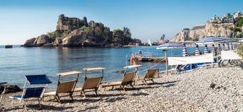 Isola Bella (belle île) est une petite île près de Taormina Photo libre de droits
