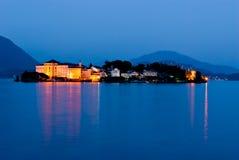 Isola Bella en la noche, Lago Maggiore, Italia Foto de archivo libre de regalías