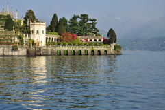 Isola Bella hängande trädgårdar. Sjö Maggiore, Italien royaltyfri bild