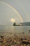 Isola Bella, Stresa, sjö - lago - Maggiore, Italien dubbel regnbåge Royaltyfri Fotografi