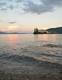 Isola Bella, Stresa, sjö - lago - Maggiore, Italien Solnedgång Royaltyfria Bilder
