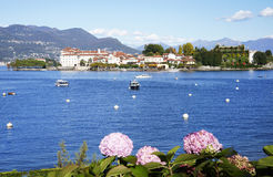 Isola Bella van de kust van Stresa-stad wordt gezien die Stock Foto's